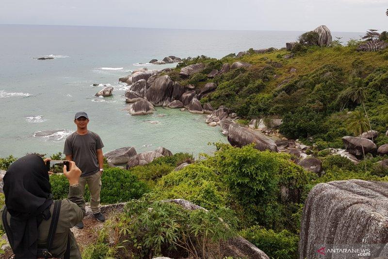 Natuna, wisata meningkat harga ikan turun