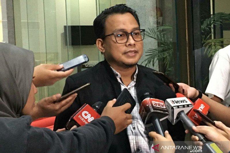 KPK cari tiga tersangka suap MA di Jakarta