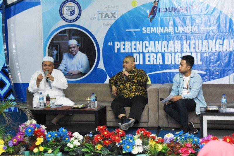 Rektor Darmajaya ajak milenial cerdas kelola keuangan