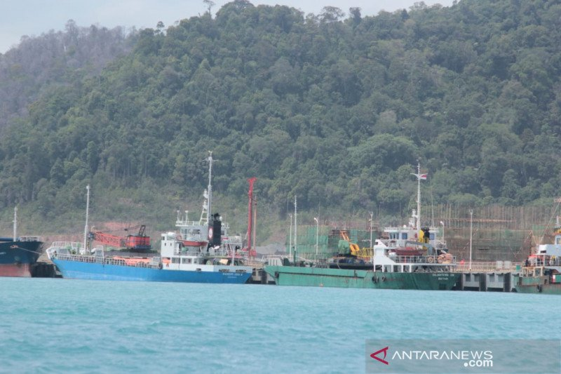 PT Bintan Alumina Indonesia bantah pekerjakan TKA ilegal