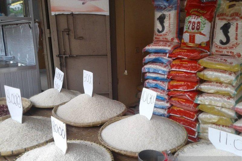 Bulog: Stok beras di Baubau cukup hingga  April 2020