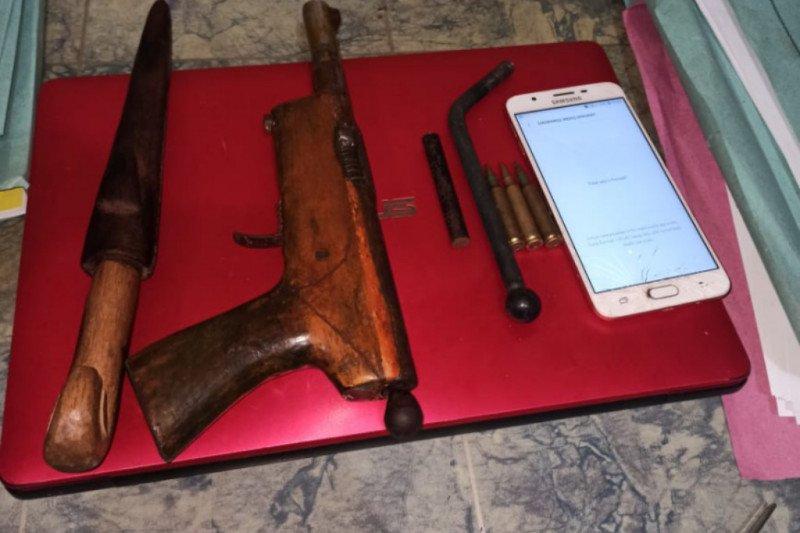 Seorang pelajar di NTB jadi pelaku curanmor parahnya bawa pistol rakitan dan peluru