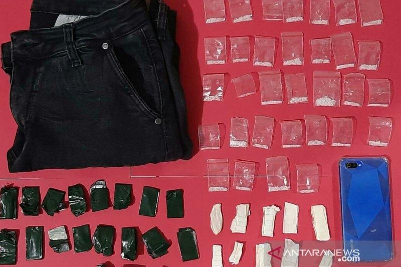 Satnarkoba Polres Cianjur tangkap pemilik paket sabu 12,20 gram