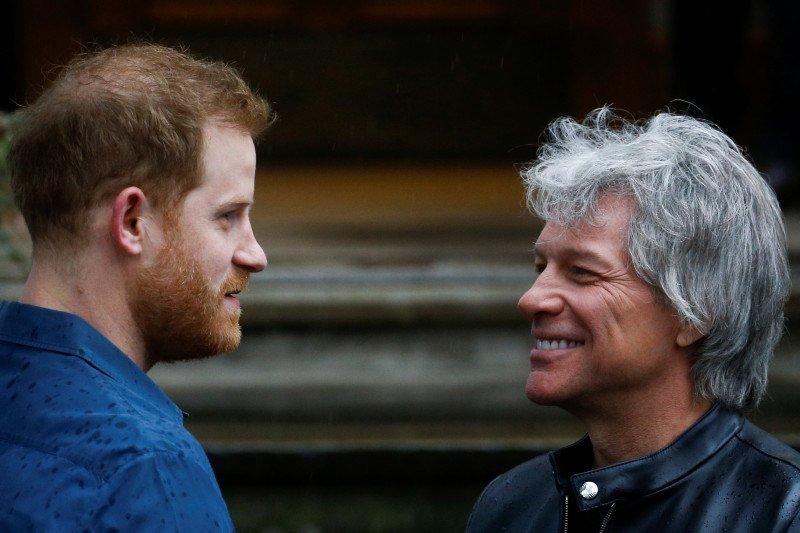 Pangeran Harry dan Bon Jovi rilis lagu 'Unbroken'