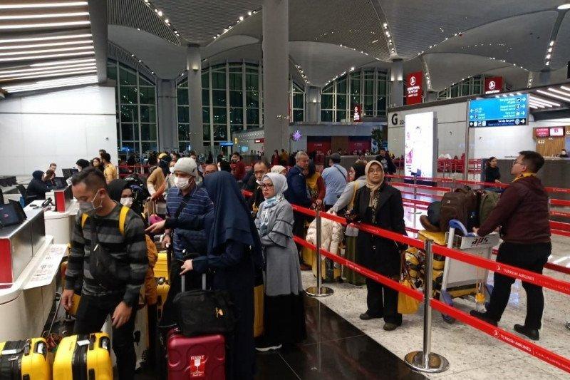 Biro Perjalanan Umrah dan Haji Plus jadwal ulang keberangkatan jamaah