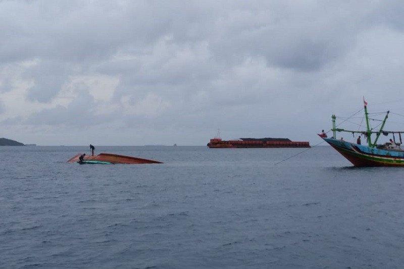 Kapal nelayan Sumedang Agung terbalik tanpa ABK di Laut Karimunjawa