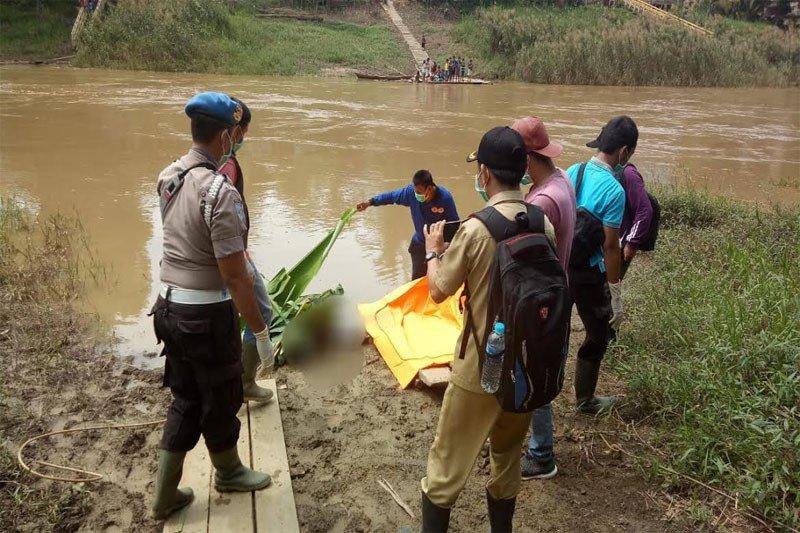 Warga Muara Wakat temukan mayat tak dikenal di Sungai Teweh