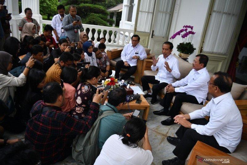 Diskon tiket pesawat tak akan perluas sebaran virus corona, kata Jokowi