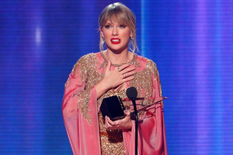 Musisi terlaris dunia, Taylor Swift langkahi Ed Sheeran dan Eilish
