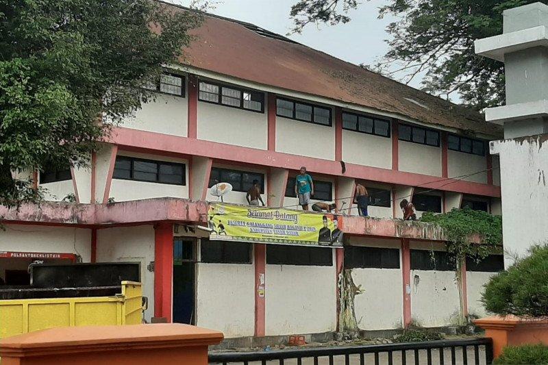 Melukai hati masyarakat, Legislator Tanah Datar soroti pembongkaran GOR Cindua Mato Batusangkar