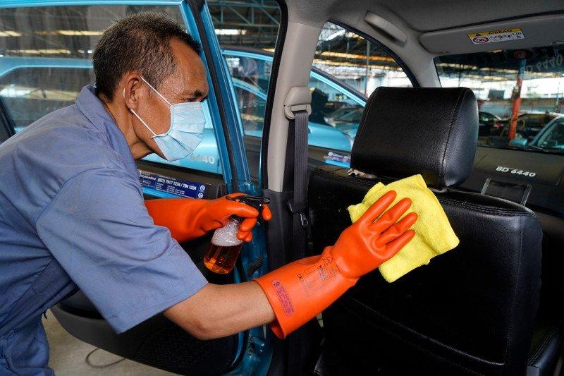 Cara aman dan nyaman naik taksi saat pandemi