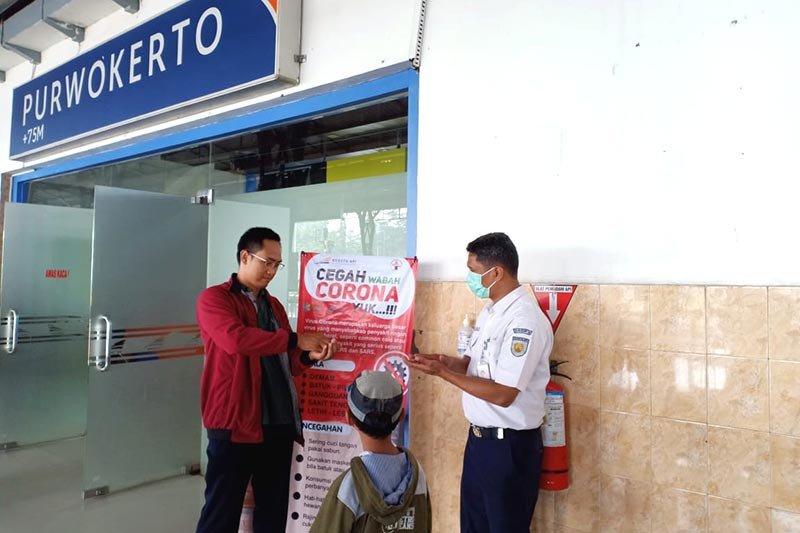 Cegah virus corona, KAI Purwokerto sediakan cairan pembersih tangan di stasiun