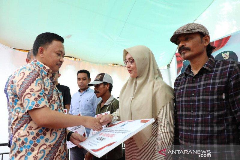 Pemkab Bantaeng salurkan bantuan modal usaha dusun dan RW senilai Rp1,5 miliar