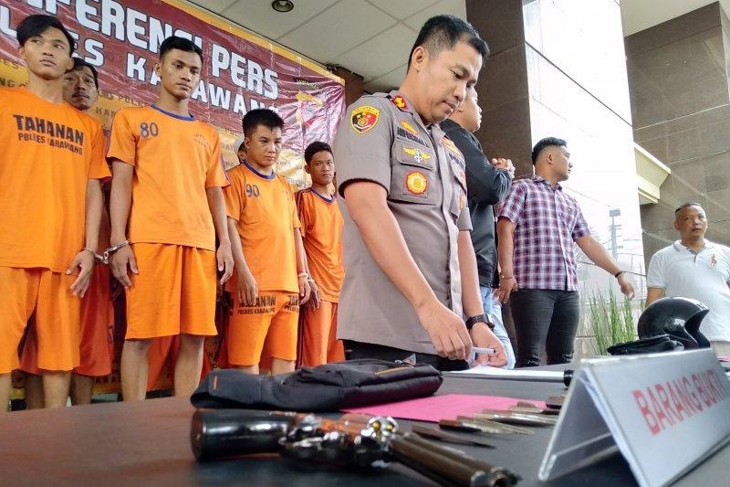 Polisi Karawang tangkap 14 pencuri sepeda motor