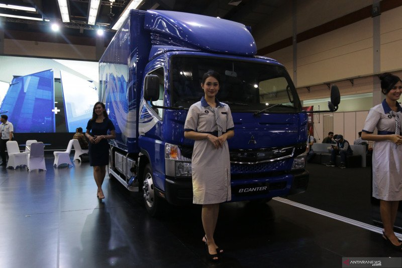 Mitsubishi Fuso kenalkan truk listrik eCanter