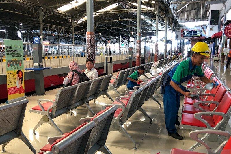 KAI Daop 6 Yogyakarta meningkatkan kewaspadaan penyebaran COVID-19