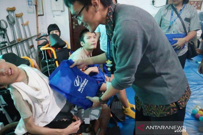 48 anak disabilitas Cileungsi Bogor nobar pertunjukan boneka