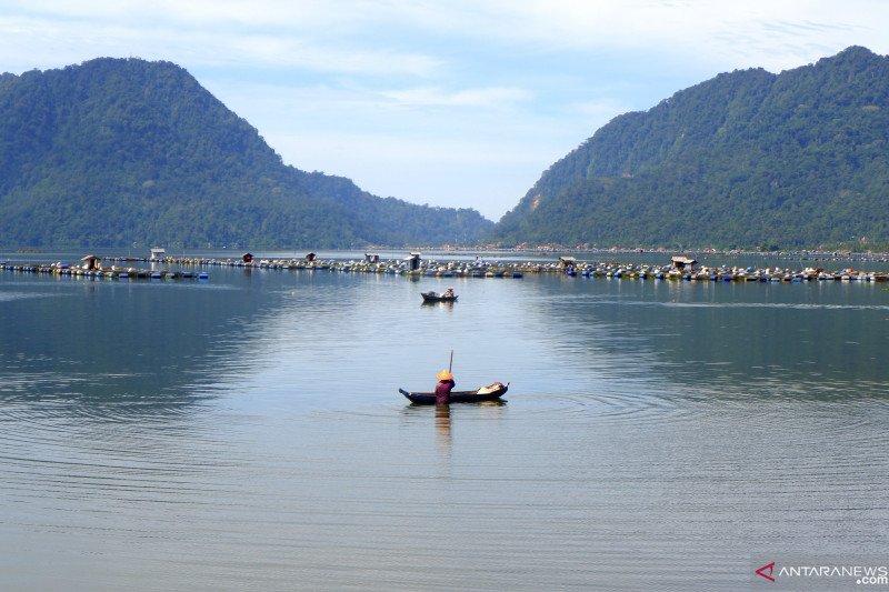 Support Lake Maninjau tourist attraction, West Sumatra legislator proposes flyover at Kelok 44