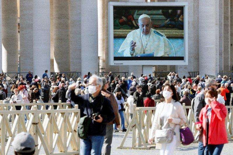 Vatikan umumkan hasil tes, Sri Paus tidak terpapar corona
