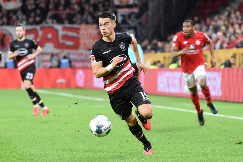 Fortuna perbesar harapan lolos degradasi usai bekuk Schalke