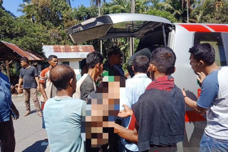 Seorang warga tewas saat berusaha menolong anaknya di sumur