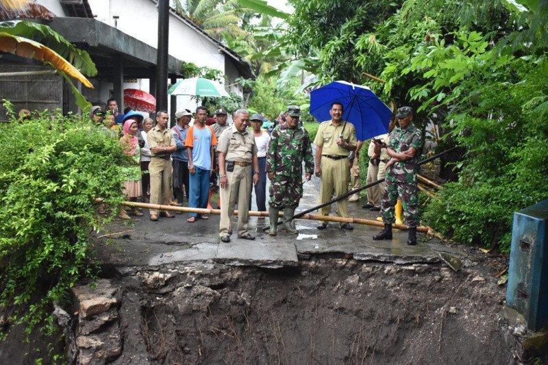 Jembatan di Sanden putus akibat banjir