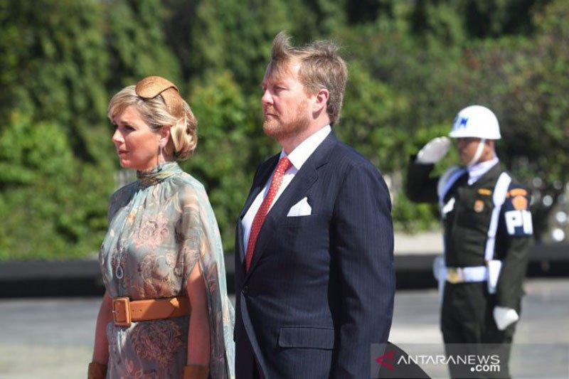 Raja Belanda tak pakai kereta kuda yang tampilkan penjajahan