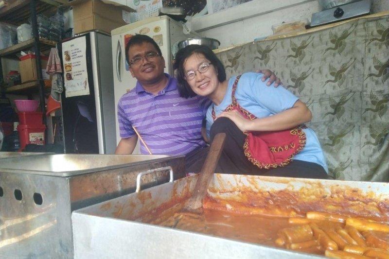 Mencicipi makanan Korea yang dijual warga Korea di Unpad Jatinangor