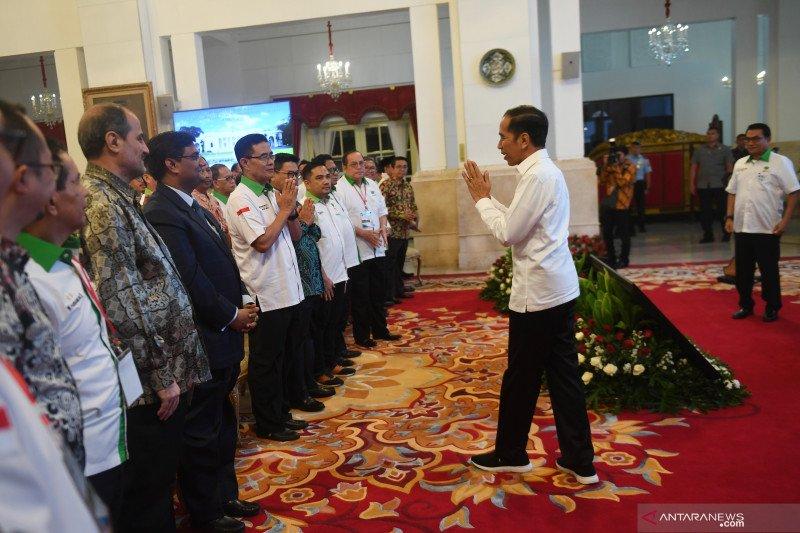 Presiden tanyakan alasan petani enggan menanam buah tropis
