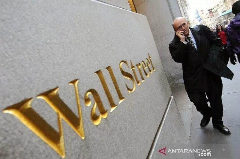 Wall Street turun tajam, Dow ditutup di bawah level psikologis 20.000