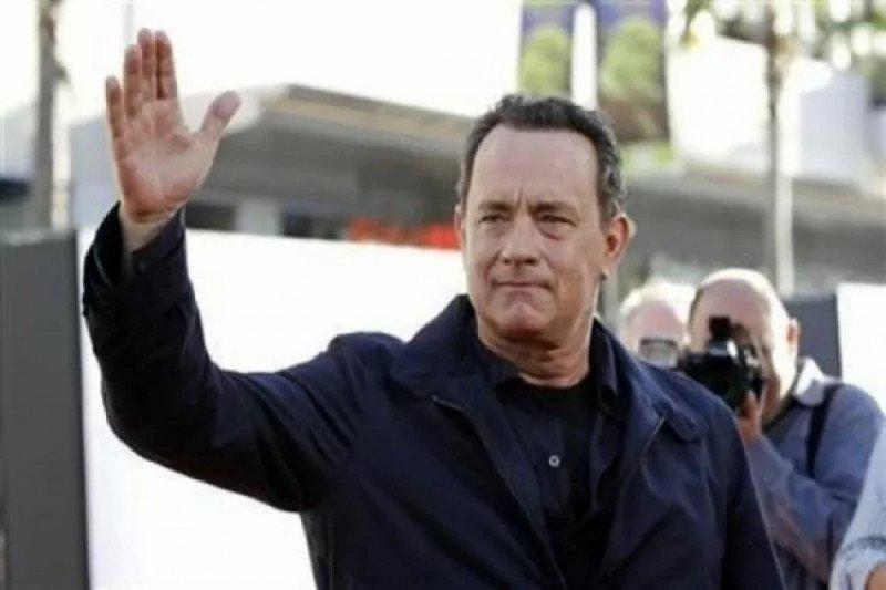 Kemarin, Tom Hanks dan istri kena corona hingga BMW setop produksi i8