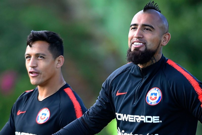 Alexis Sanchez dan Arturo Vidal terancam dikarantina