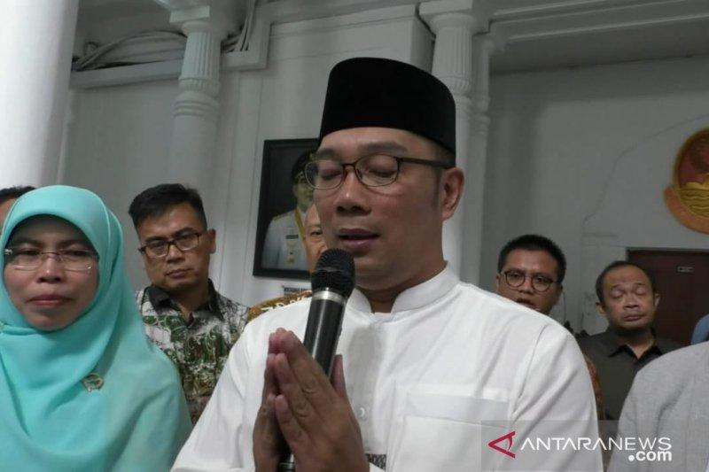 Ridwan Kamil sarankan salam Sunda untuk cegah COVID-19