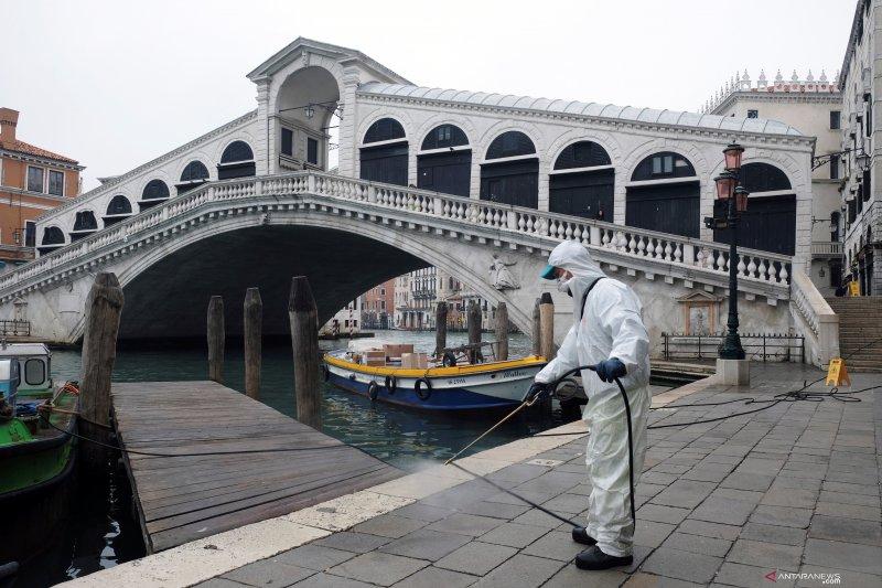 Putin kirim bantuan ke Italia untuk bantu perangi virus corona