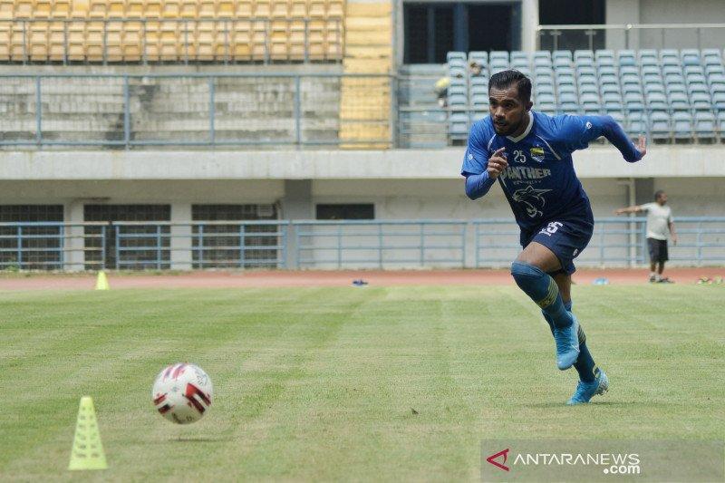 Zulham Zamrun jalani laga perdananya bersama Persib sebagai pemain cadangan