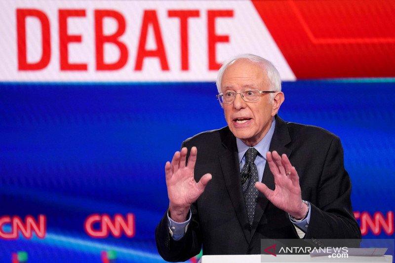 Sanders Senang Meme Nya Dapat Kumpulkan Jutaan Dolar Untuk Amal Antara News