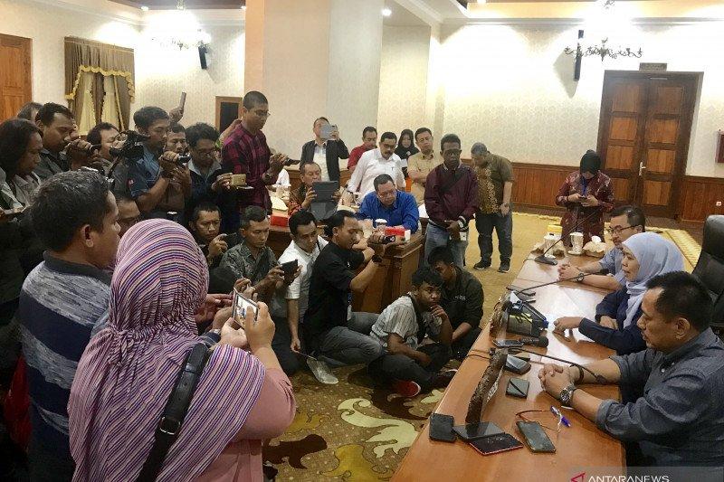 Siswa SMA-SMK di Jawa Timur diliburkan dua pekan kecuali peserta UN