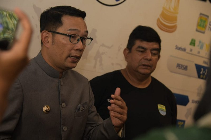 Gubernur pantau pemain Persib Bandung jalani tes virus corona