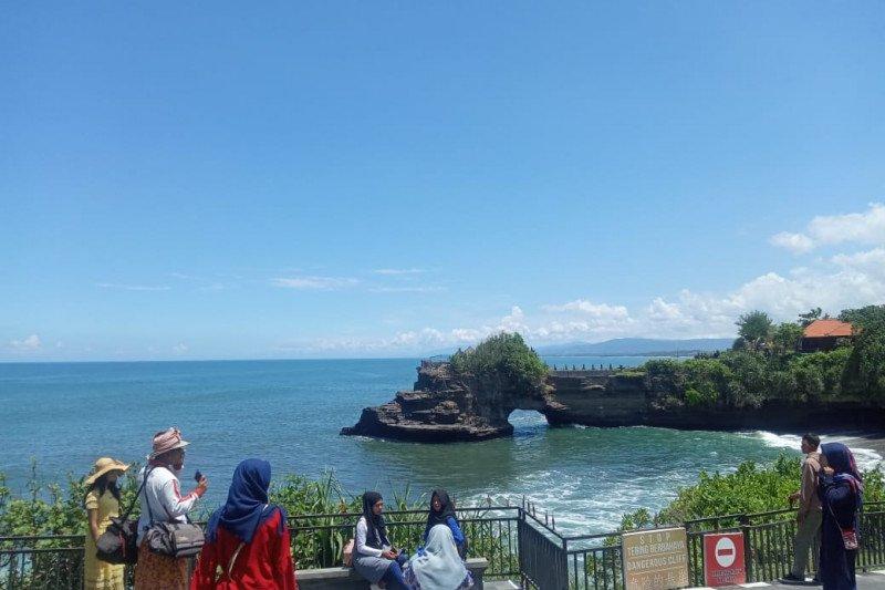 Wisatawan domestik dominasi kunjungan wisata ke Tanah Lot Bali