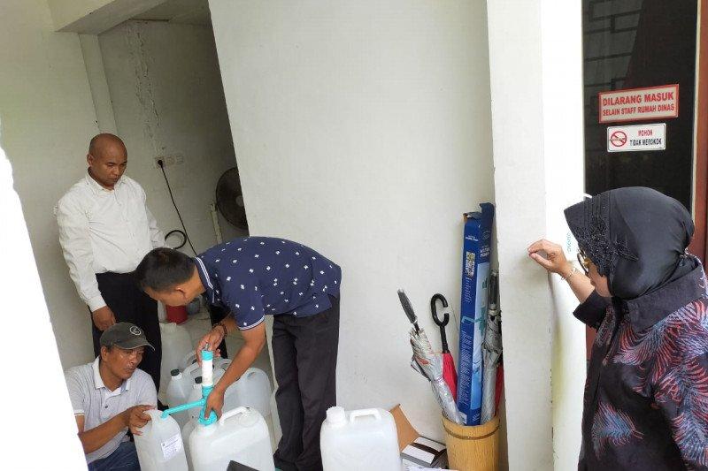 Cara Wali Kota Risma lawan COVID-19 di Surabaya