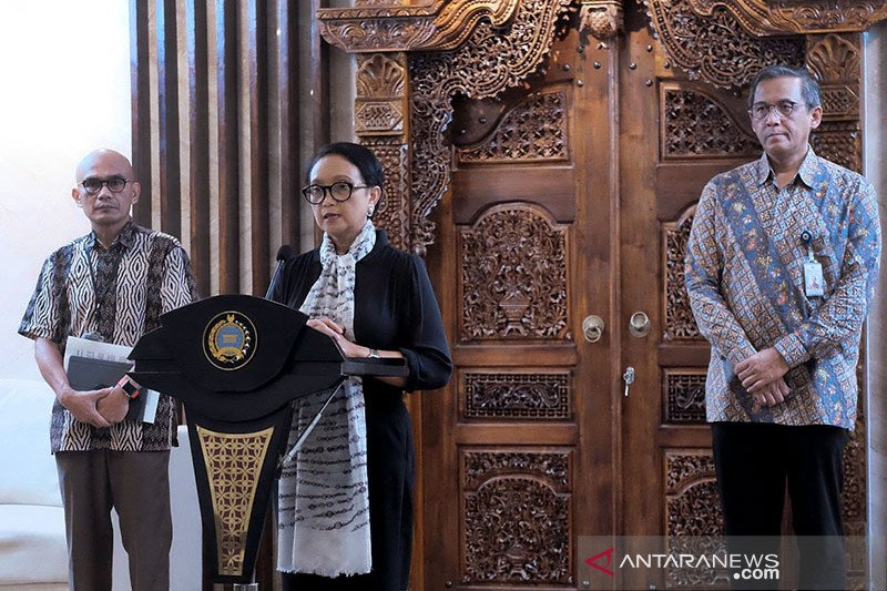 Foreign Affair Ministry confirms 122 Indonesians overseas contracted COVID-19
