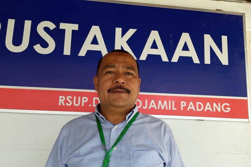 Penumpang pesawat Air Asia dirujuk ke RSUP M Djamil meninggal