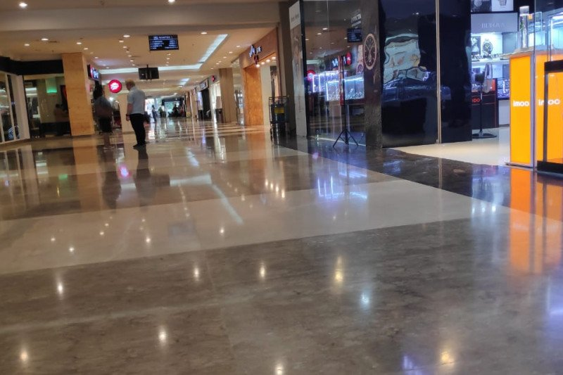 Pusat belanja di Manado sepi di tengah merebaknya Covid-19