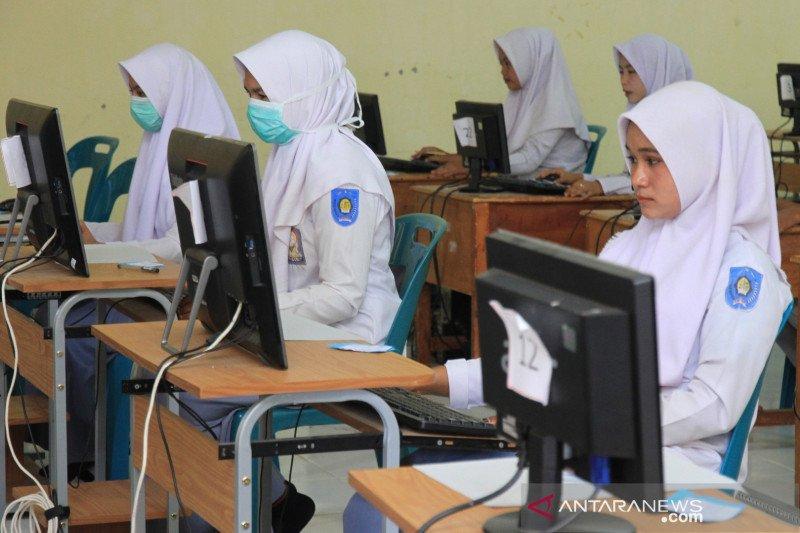 Legislator desak pemerintah hapus UN SMA-SMP lindungi siswa
