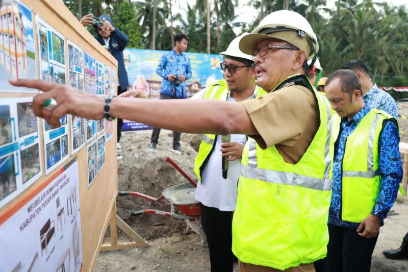 Bupati Pesisir Barat sebut pembangunan rusun dapat tingkatkan kinerja ASN