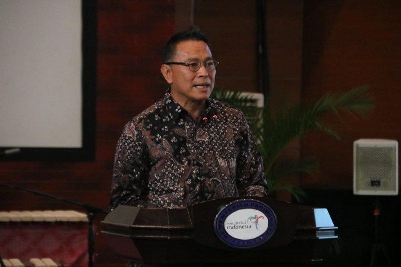 Wali Kota Tomohon ajak masyarakat tak panik hadapi penyebaran Covid-19