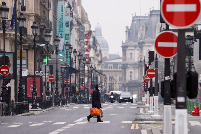 Kematian di Prancis akibat corona mencapai 1.696