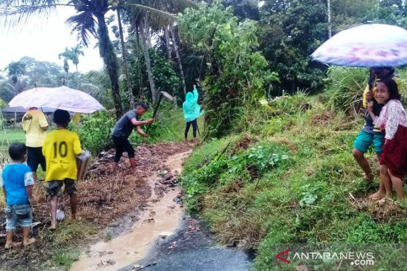 Banjir bandang terjang Ampeknagari Agam