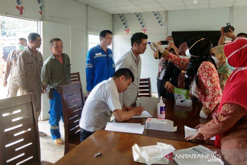 Pesisir Selatan cek kesehatan 61 tenaga kerja asal China (Video)