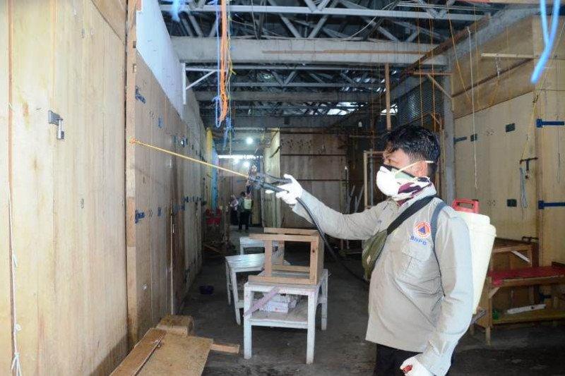 Tim Gugus COVID-19 sterilisasi fasilitas umum di Kabupaten Majene